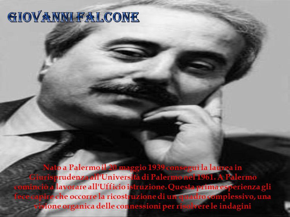 Nato a Palermo il 20 maggio 1939 conseguì la laurea in Giurisprudenza all'Università di Palermo nel 1961. A Palermo cominciò a lavorare all'Ufficio is