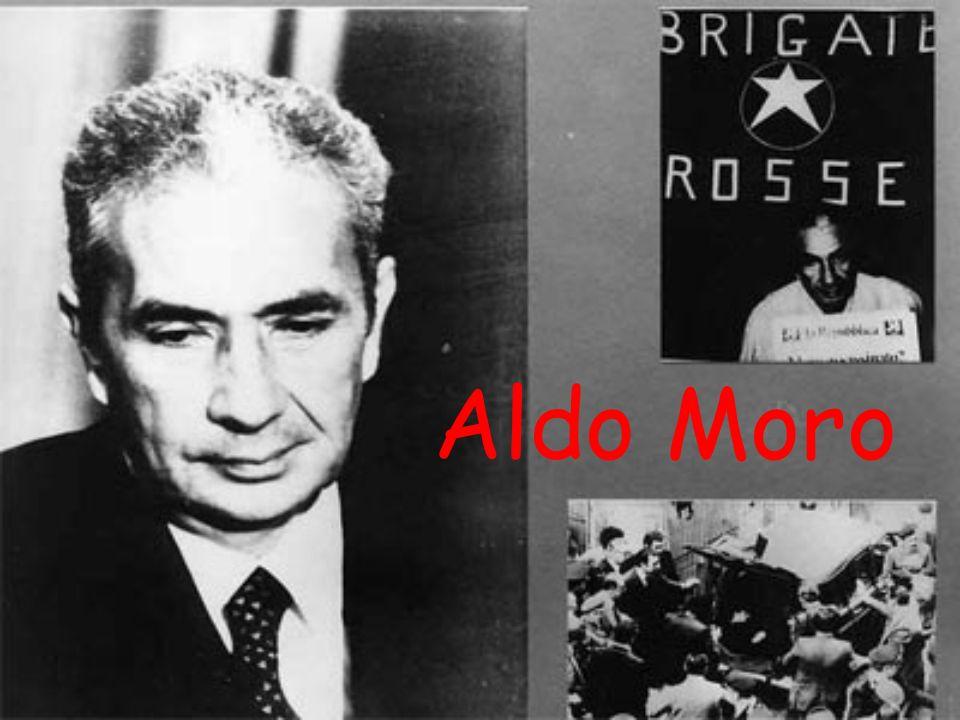 Nato a Maglie il 23 settembre 1916, è stato un politico Italiano, cinque volte Presidente del Consiglio dei Ministri e Presidente del Partito della Democrazia Cristiana Aldo Moro Venne rapito il 16 marzo 1978 ed ucciso a Roma il 9 maggio successivo da appartenenti al gruppo terrorista delle Brigate Rosse