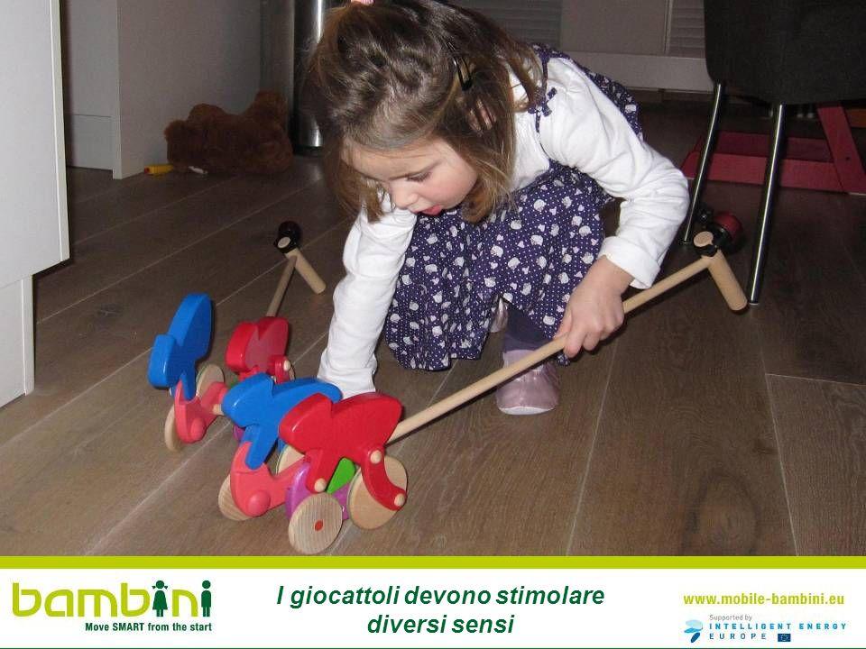 I giocattoli devono stimolare diversi sensi