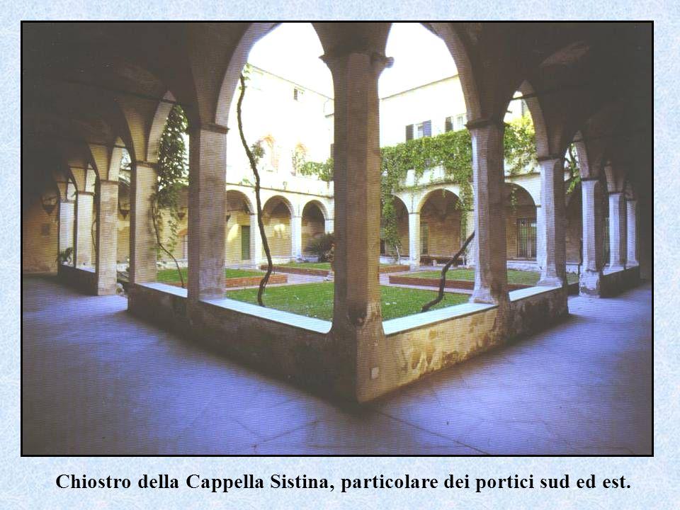 Chiostro della Cappella Sistina, particolare dei portici sud ed est.