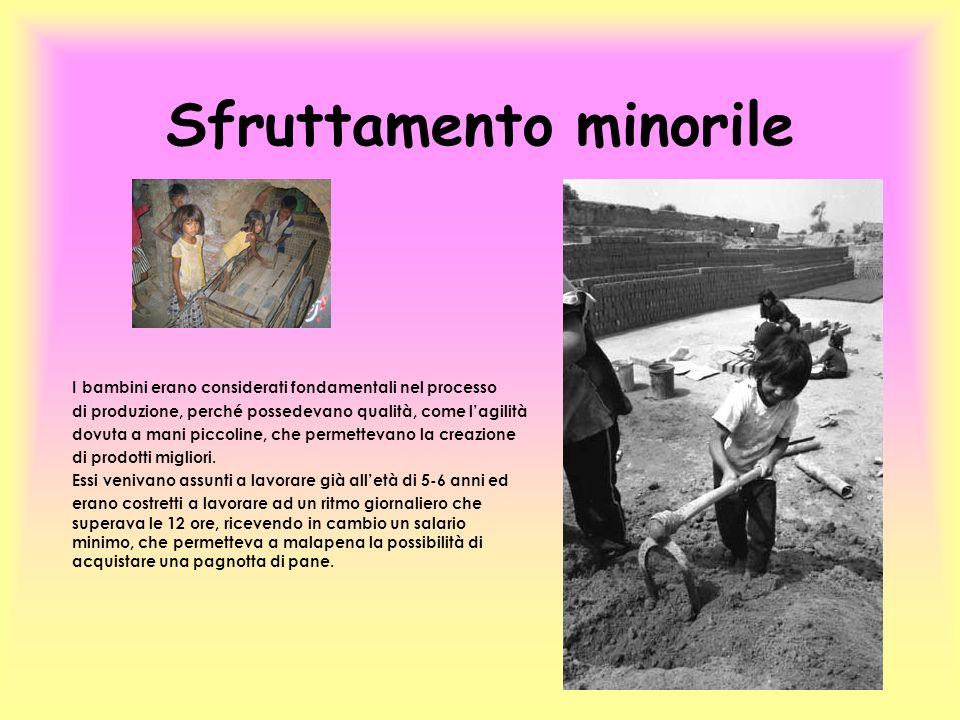 Sfruttamento minorile I bambini erano considerati fondamentali nel processo di produzione, perché possedevano qualità, come lagilità dovuta a mani pic