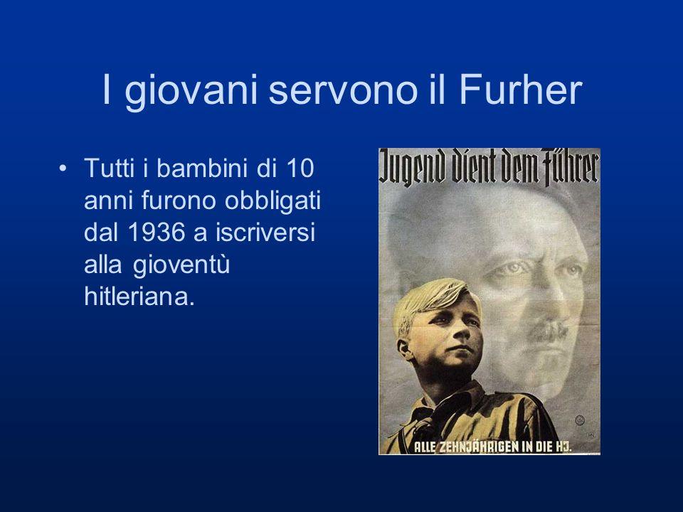 I giovani servono il Furher Tutti i bambini di 10 anni furono obbligati dal 1936 a iscriversi alla gioventù hitleriana.