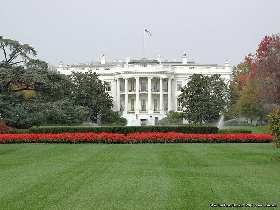 La Casa Bianca è la residenza ufficiale del presidente degli Stati Uniti, a Washington, DC, costruita tra il 1792 e il 1800.