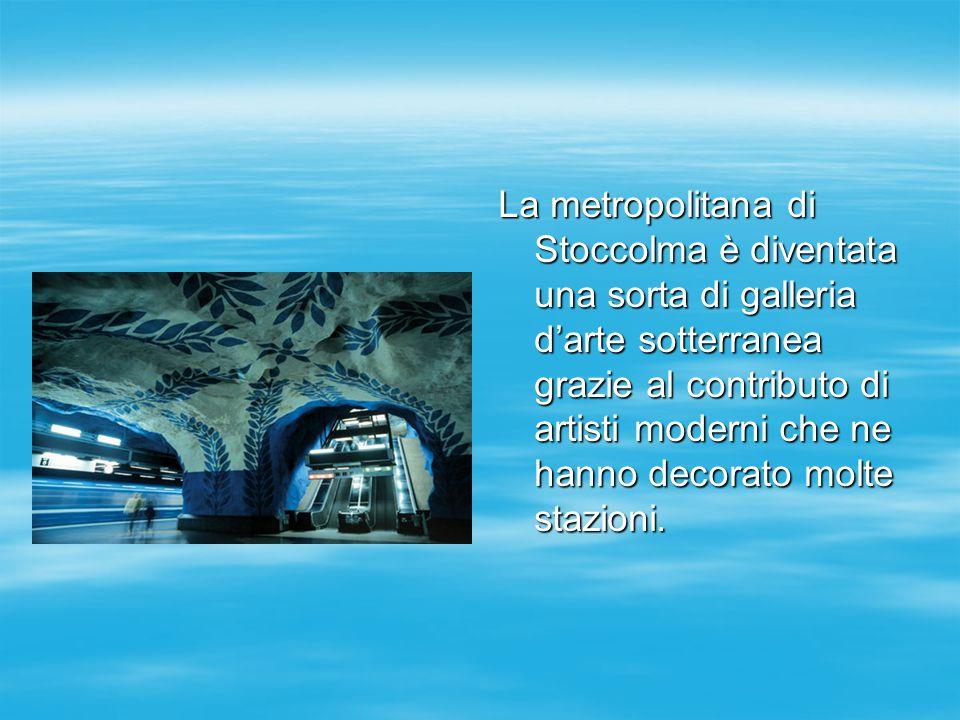La metropolitana di Stoccolma è diventata una sorta di galleria darte sotterranea grazie al contributo di artisti moderni che ne hanno decorato molte