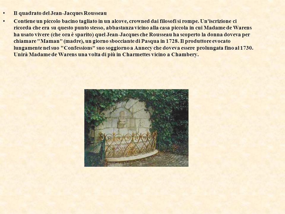 Il quadrato del Jean-Jacques Rousseau Contiene un piccolo bacino tagliato in un alcove, crowned dai filosofi si rompe. Un'iscrizione ci ricorda che er