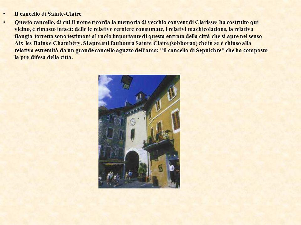chiesa Notre-Dame-notre-Dame-de-Liesse-Liesse È caratterizzato dalla relativa flangia-torretta romana, pendente un po , di cui la costruzione data soltanto la forma il sedicesimo secolo.