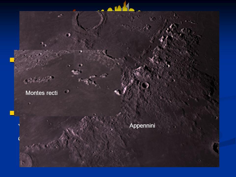 Le montagne lunari, più rare dei crateri, si estendono spesso ai bordi dei mari e questi possono essere considerati come dei giganteschi crateri. Le m
