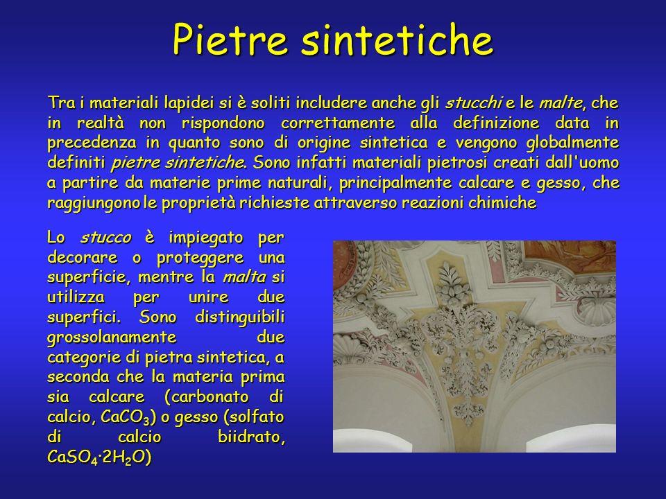 Pietre sintetiche Lo stucco è impiegato per decorare o proteggere una superficie, mentre la malta si utilizza per unire due superfici. Sono distinguib