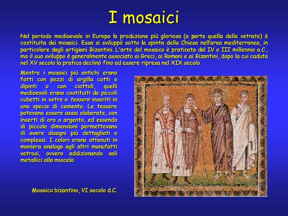 Mentre i mosaici più antichi erano fatti con pezzi di argilla cotti e dipinti o con ciottoli, quelli medioevali erano costituiti da piccoli cubetti in vetro o tessere inseriti in una specie di cemento.