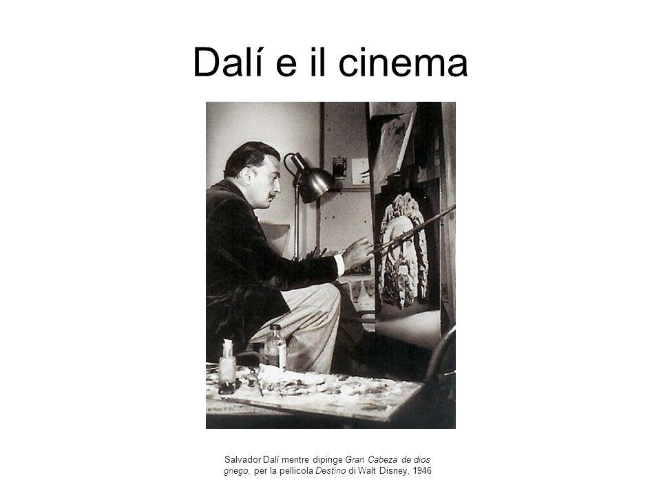 Dalí e il cinema Salvador Dalí mentre dipinge Gran Cabeza de dios griego, per la pellicola Destino di Walt Disney, 1946