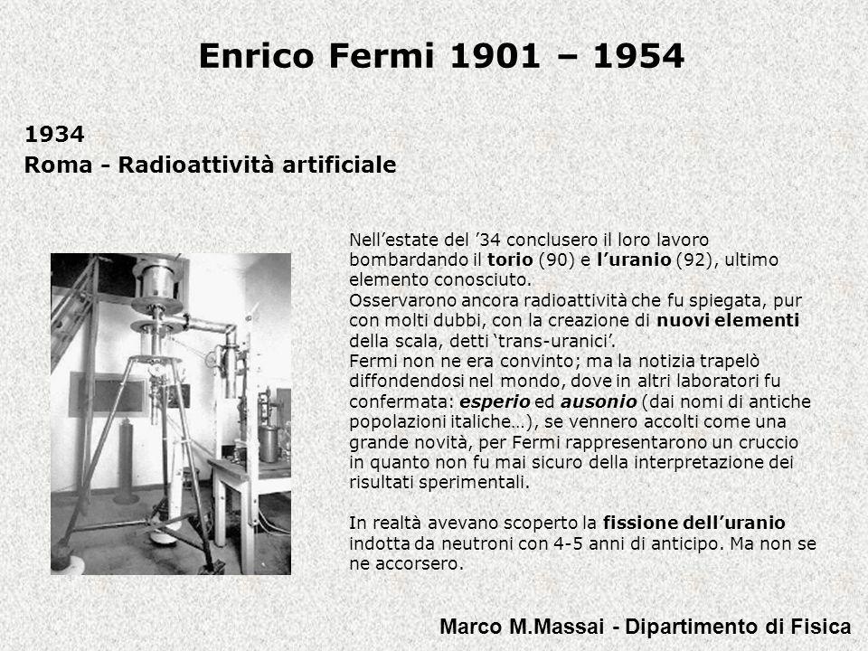 Enrico Fermi 1901 – 1954 1952-1954 Chicago - Gli ultimi studi Fermi collabora con il matematico polacco Stanislaw Ulam e con linformatico statunitense John Pasta a codificare un problema che passerà alla storia come Il problema di Fermi- Pasta-Ulam e che rappresentò una vera e propria palestra nello studio di come può comportarsi un sistema, anche semplice, dove siano allopera forze non-lineari (sistemi dinamici).