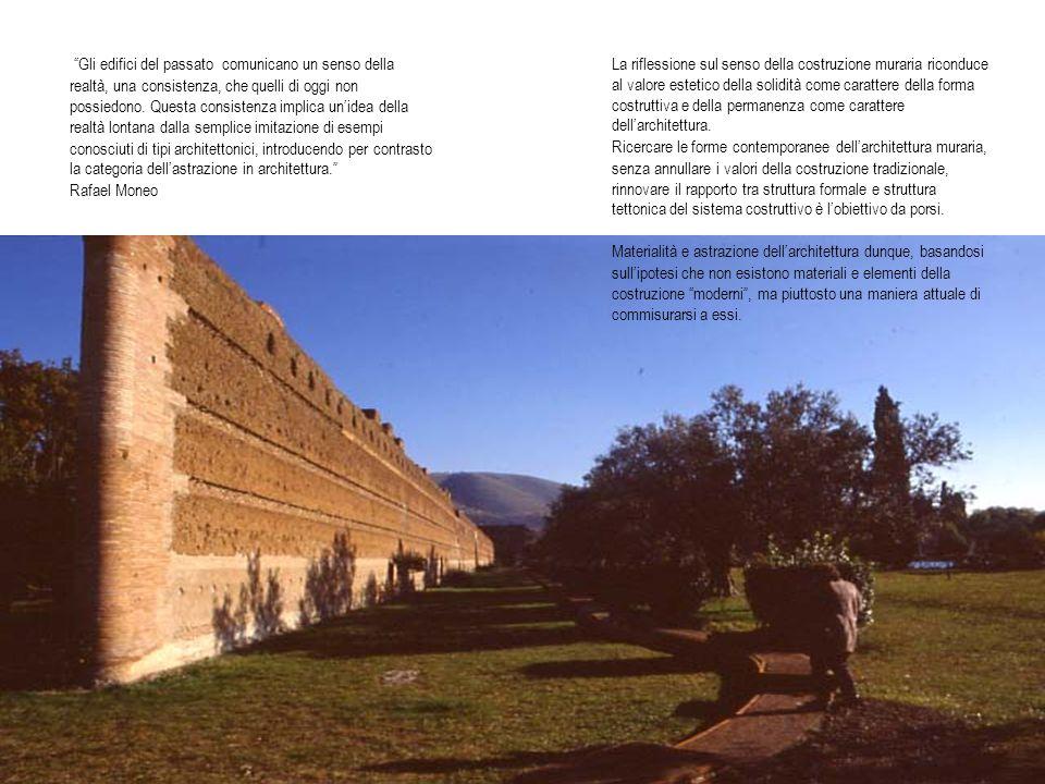 Gli edifici del passato comunicano un senso della realtà, una consistenza, che quelli di oggi non possiedono. Questa consistenza implica unidea della