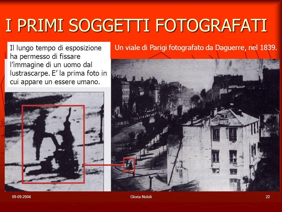 09-09-2004Gloria Nobili22 I PRIMI SOGGETTI FOTOGRAFATI Un viale di Parigi fotografato da Daguerre, nel 1839. Il lungo tempo di esposizione ha permesso