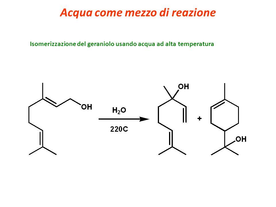 Isomerizzazione del geraniolo usando acqua ad alta temperatura