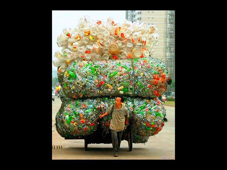 La Cina ha proibito i sacchetti di plastica. MEDAGLIA CINESE – La cinese Chain Store and Franchise Association ha fatto i conti a quasi un anno dalla