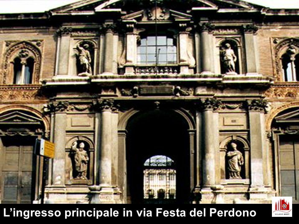 L edificio fu completato nei secoli seguenti fino all Ottocento, grazie a lasciti e donazioni di cittadini milanesi (uno dei più notevoli quello del banchiere Gian Pietro Carcano, 1621), che ritenevano doveroso contribuire al completamento e al funzionamento dell Ospedale.
