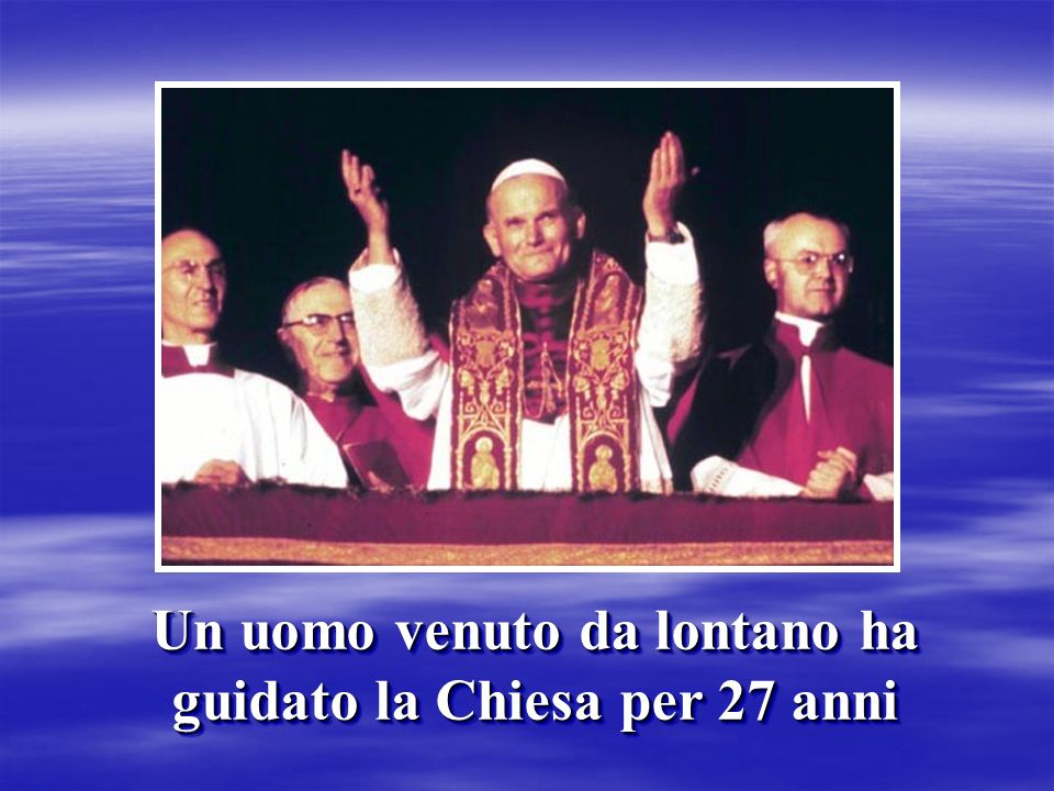 Con la sua prima Lettera Enciclica DEUS CARITAS EST ci insegna ad amare.