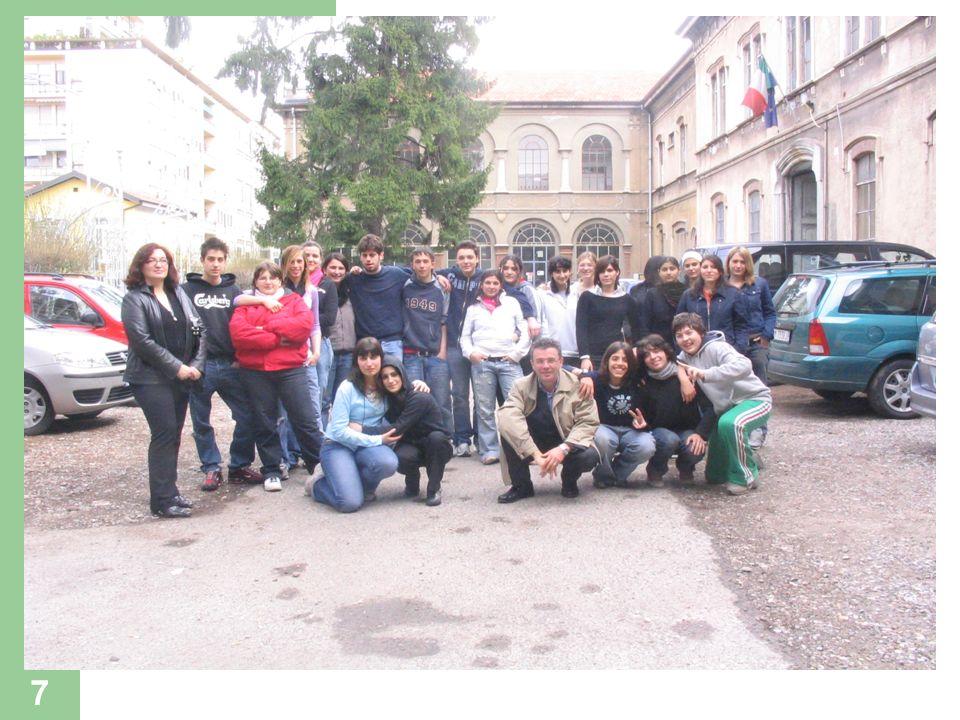 8 Fasi di attuazione Contatti con la scuola Incontri preliminari con i giovani che hanno partecipato al progetto.