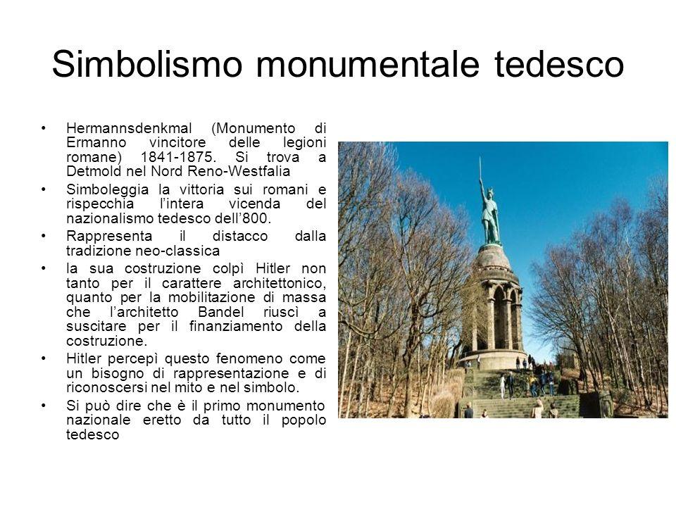 Simbolismo monumentale tedesco Hermannsdenkmal (Monumento di Ermanno vincitore delle legioni romane) 1841-1875. Si trova a Detmold nel Nord Reno-Westf