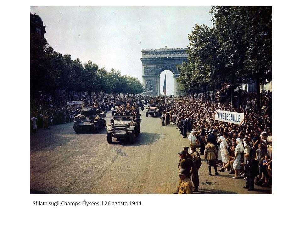 Sfilata sugli Champs-Élysées il 26 agosto 1944