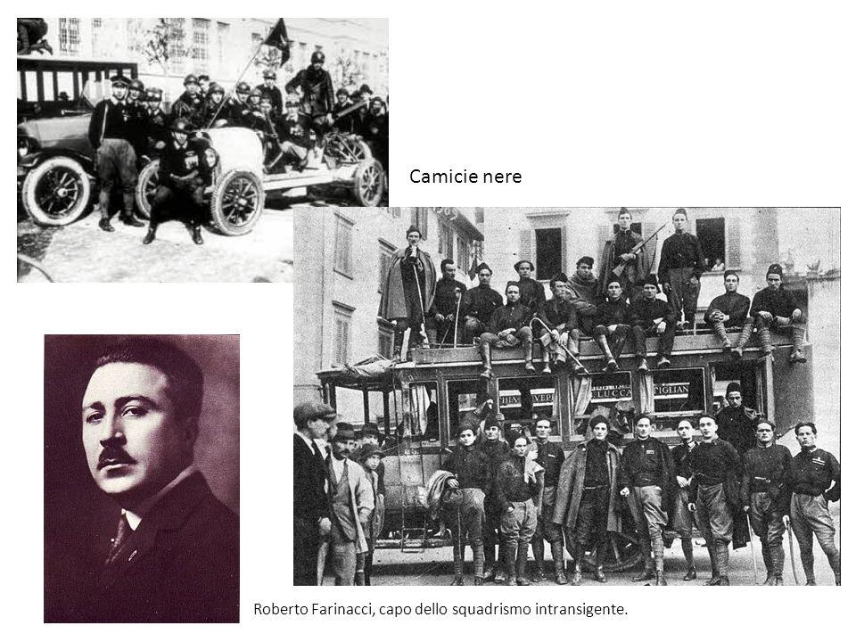 Camicie nere Roberto Farinacci, capo dello squadrismo intransigente.