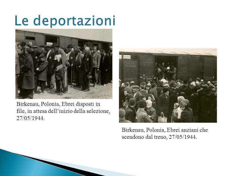 Birkenau, Polonia, Ebrei disposti in file, in attesa dellinizio della selezione, 27/05/1944. Birkenau, Polonia, Ebrei anziani che scendono dal treno,