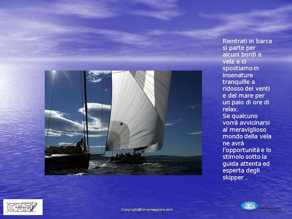 Rientrati in barca si parte per alcuni bordi a vela e ci spostiamo in insenature tranquille a ridosso dei venti e del mare per un paio di ore di relax