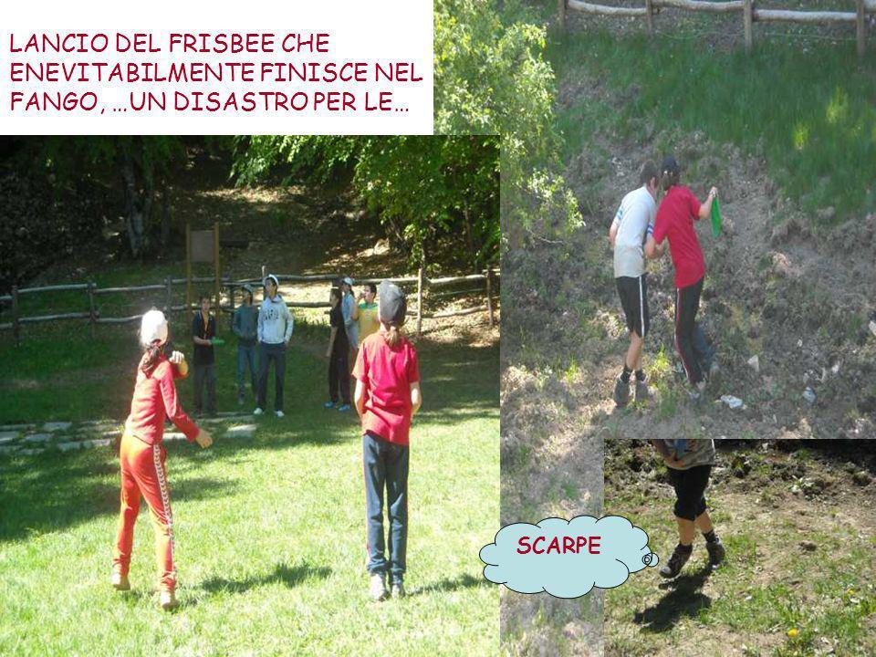LANCIO DEL FRISBEE CHE ENEVITABILMENTE FINISCE NEL FANGO, …UN DISASTRO PER LE… SCARPE