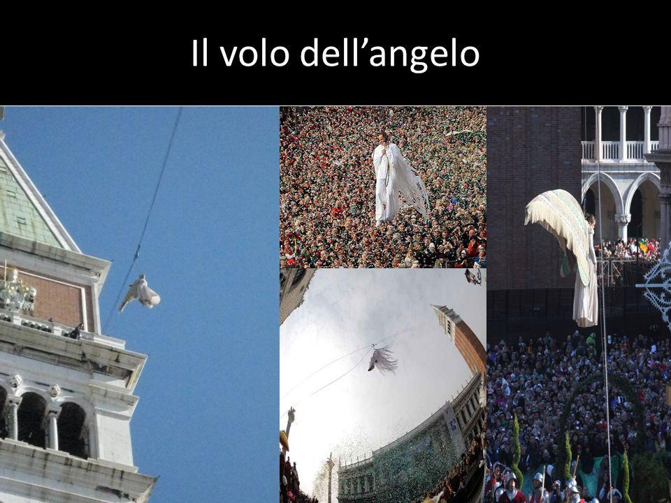 Carnevale a Venezia Durante i giorni di Carnevale a Venezia ci sono spettacoli musicali, spettacoli della commedia dellarte.