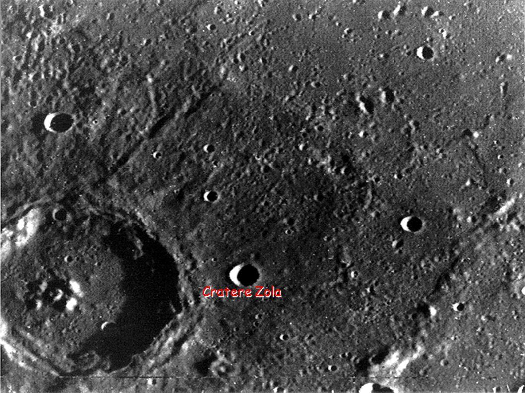 Atmosfera di Mercurio Come già detto, analogamente alla Luna, per via della sua bassa attrazione gravitazionale Mercurio è sprovvisto di una vera e propria atmosfera come quella terrestre, fatta eccezione per tracce di gas probabilmente frutto dell interazione del vento solare con la superficie del pianeta.