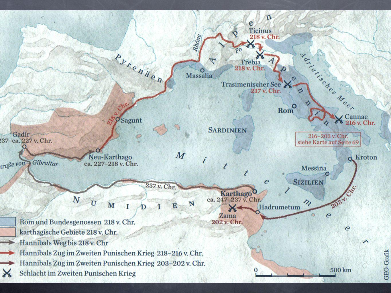 Sfondamento centrale dei Romani Arretramento dei Cartaginesi Cavalleria cartaginese avanza ai due lati Accerchiamento dei Romani Accerchiamento