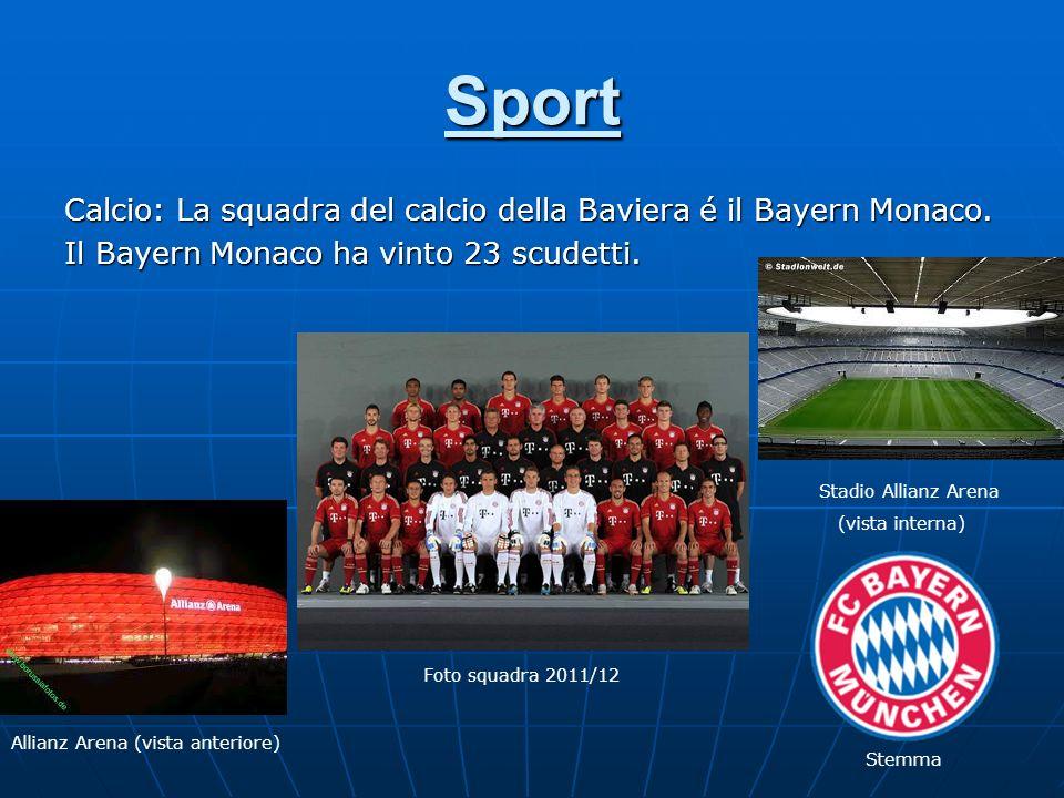 Sport Calcio: La squadra del calcio della Baviera é il Bayern Monaco. Il Bayern Monaco ha vinto 23 scudetti. Allianz Arena (vista anteriore) Foto squa
