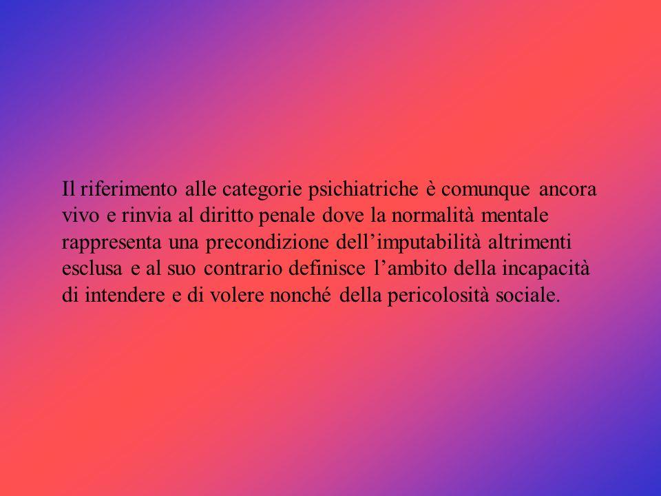 De Greef (1938) e Pinatel (1960) sostengono la possibilità di identificare la cosiddetta personalità criminale, secondo alcuni tratti costitutivi che la differenzierebbero da quella normale: aggressività, indifferenza, labilità emotiva, egocentrismo, incapacità di organizzazione del tempo.