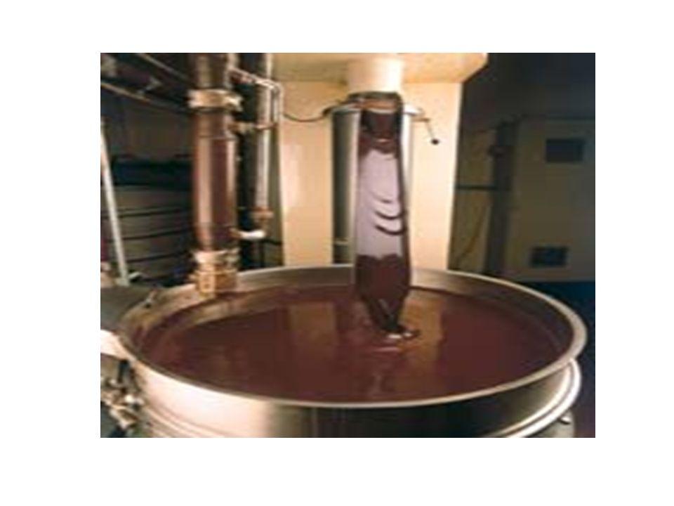 Concaggio l operazione consiste in una lunga omogeneizzazione in speciali conche a temperatura controllata dotate di bracci oscillanti di rimescolamento che amalgamano alla perfezione gli ingredienti