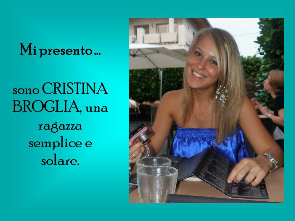 Sono nata il 28 Giugno 1989 a Rho, in provincia di Milano.