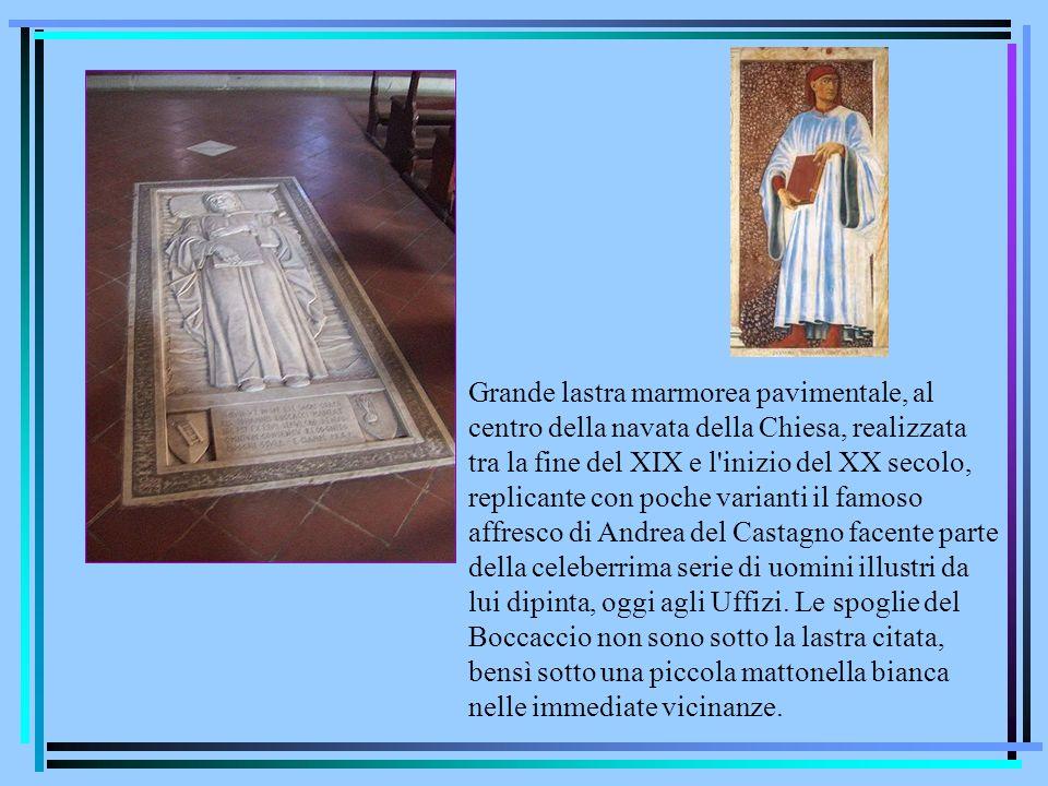 Grande lastra marmorea pavimentale, al centro della navata della Chiesa, realizzata tra la fine del XIX e l'inizio del XX secolo, replicante con poche