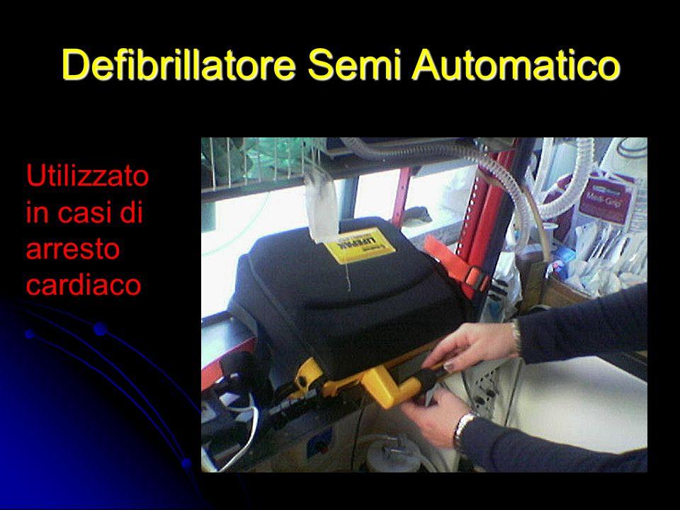 Defibrillatore Semi Automatico Utilizzato in casi di arresto cardiaco