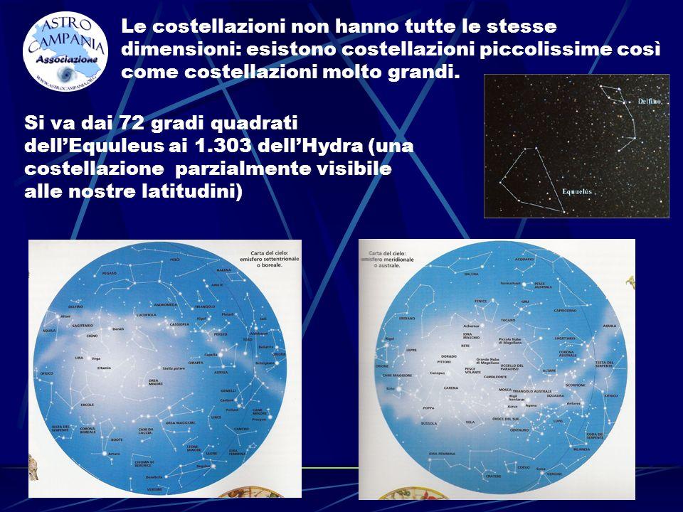 Le costellazioni non hanno tutte le stesse dimensioni: esistono costellazioni piccolissime così come costellazioni molto grandi. Si va dai 72 gradi qu