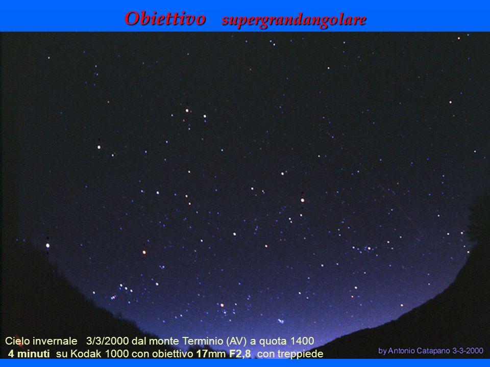 Obiettivo supergrandangolare Cielo invernale 3/3/2000 dal monte Terminio (AV) a quota 1400 4 minuti su Kodak 1000 con obiettivo 17mm F2,8 con treppied
