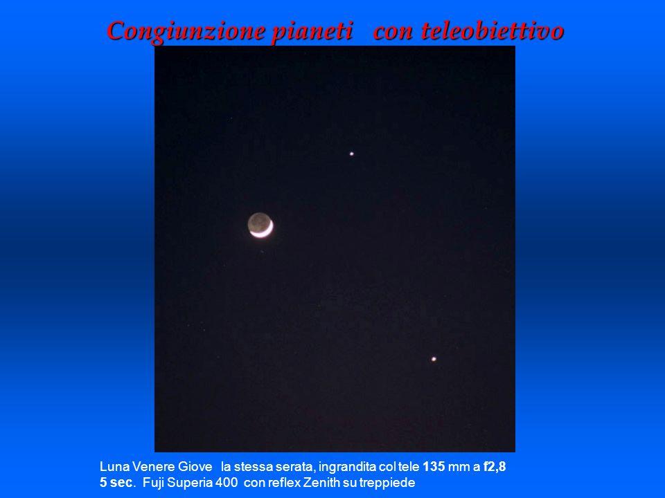 Congiunzione pianeti con teleobiettivo Luna Venere Giove la stessa serata, ingrandita col tele 135 mm a f2,8 5 sec. Fuji Superia 400 con reflex Zenith