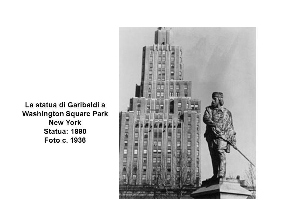 La statua di Garibaldi a Washington Square Park New York Statua: 1890 Foto c. 1936