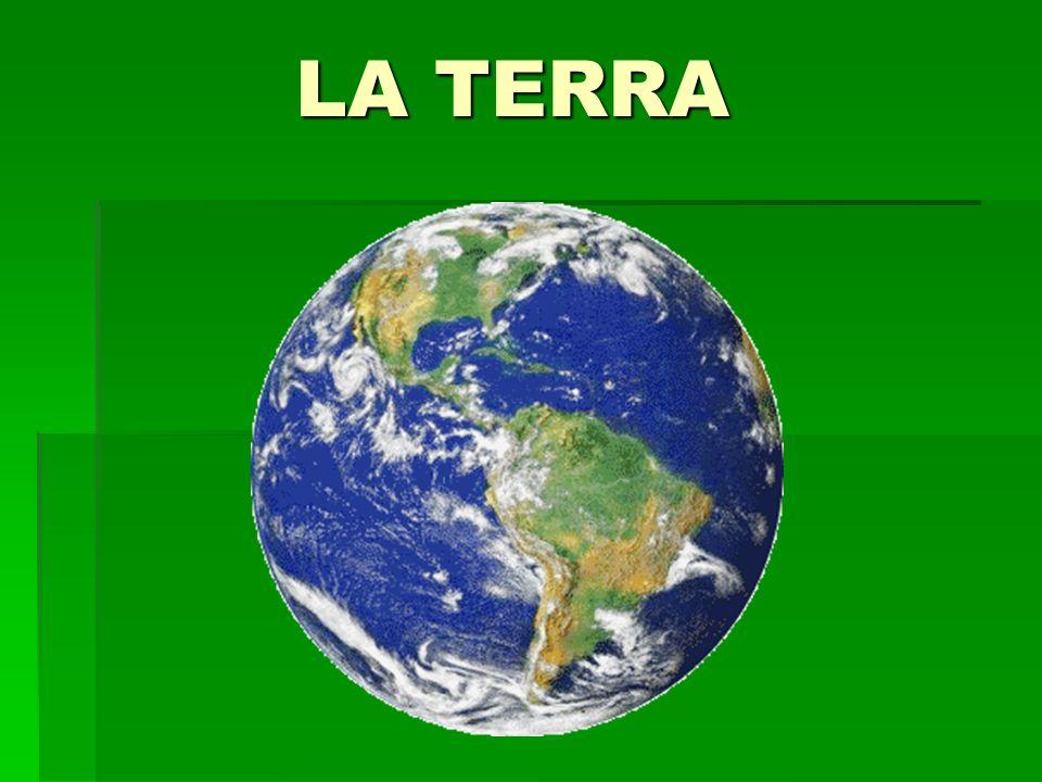 Una sfera imperfetta I primi greci ritenevano che la Terra fosse costituita da un disco circolare circondato dal grande Fiume Oceano, in perpetuo corso, e che sopra vi fosse la conca emisferica del cielo.