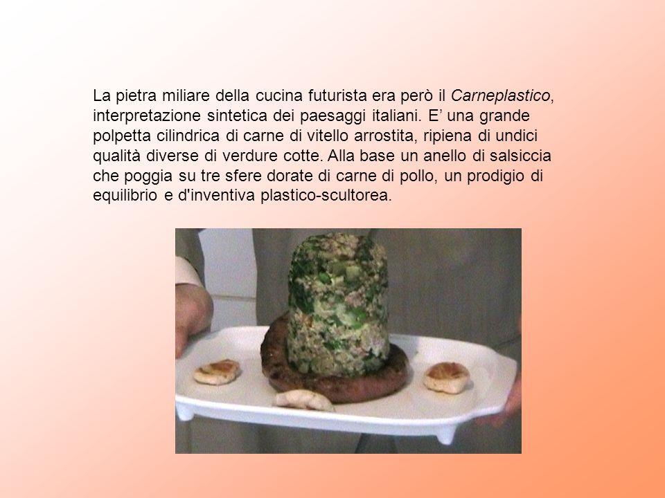 La pietra miliare della cucina futurista era però il Carneplastico, interpretazione sintetica dei paesaggi italiani. E una grande polpetta cilindrica