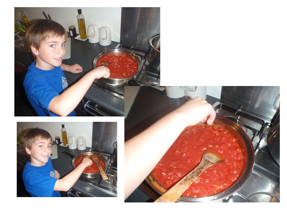 COME SI FA LA PASTA 1 Prendi una pentola 2 Metti lacqua 3 dopo metti il sale 4 metti la pasta 5 metti poco di olio cosi non si attaca 6 cuoci la pasta per circa 10 minuti