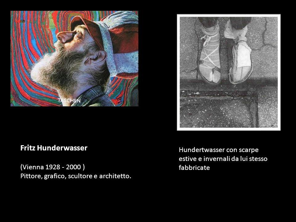 Hundertwasser con scarpe estive e invernali da lui stesso fabbricate Fritz Hunderwasser (Vienna 1928 - 2000 ) Pittore, grafico, scultore e architetto.