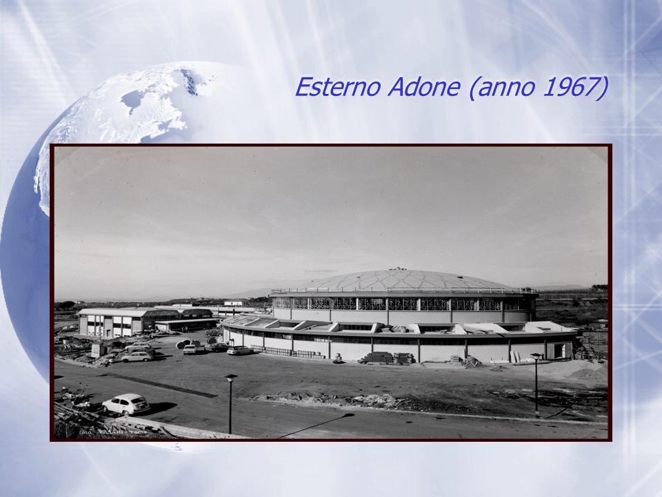 Adone (anno 1967) Acceleratore lineare:Termine dellAcceleratore Particolare delle valvole da vuoto manuali e della valvola rapida