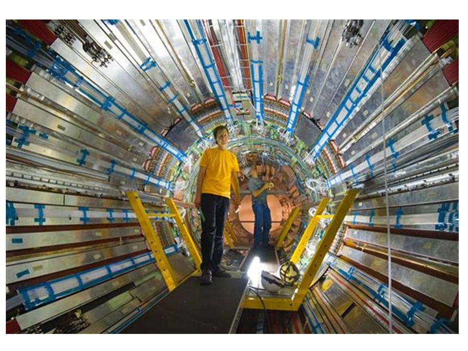 Energia Nucleare Circa il 16% dellenergia elettrica mondiale e prodotta da reazioni di fissione nucleare: un nucleo di 235 U si scinde in nuclei piu leggeri emettendo neutroni (che innescano una reazione a catena) e liberando energia Come detto in precedenza, il grave problema di questo tipo di centrali consiste nella produzione di scorie radioattive con tempi di decadimento spesso plurimillenari La grande sfida tecnologica in questo campo sta nel riuscire a produrre energia da reazioni di fusione nucleare controllata, cioe dal meccanismo che tiene acceso il sole