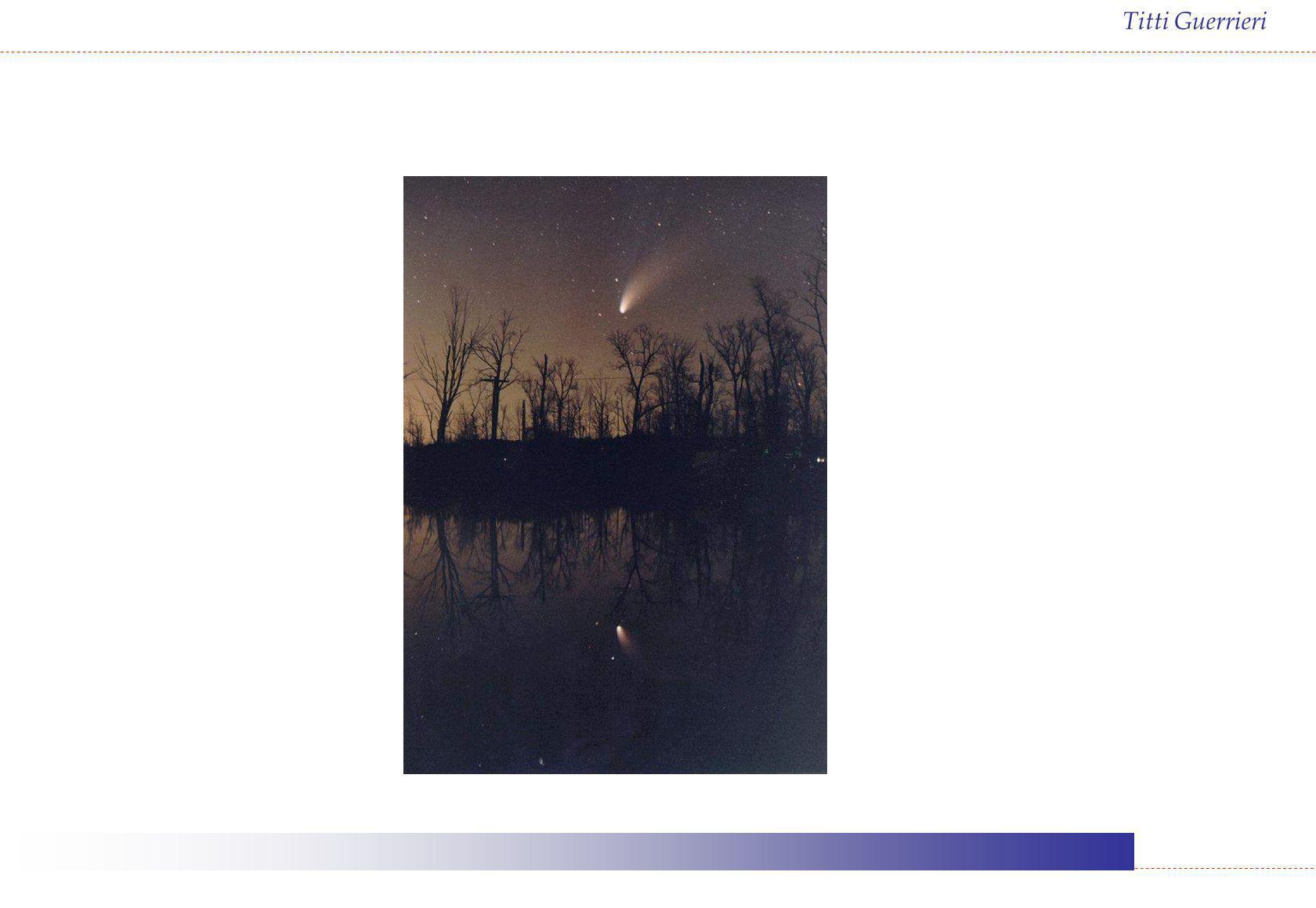 Titti Guerrieri Il metodo dei transiti Il metodo, originariamente ideato da Halley per iI transito di Mercurio del 1677, si basa sul fatto che la traiettoria apparente di un pianeta interno sul disco solare non è la stessa per osservazioni effettuate da punti diversi della superficie terrestre ma dipende: dalle dimensioni della Terra dalla distanza tra gli osservatori dalla distanza Terra – Sole
