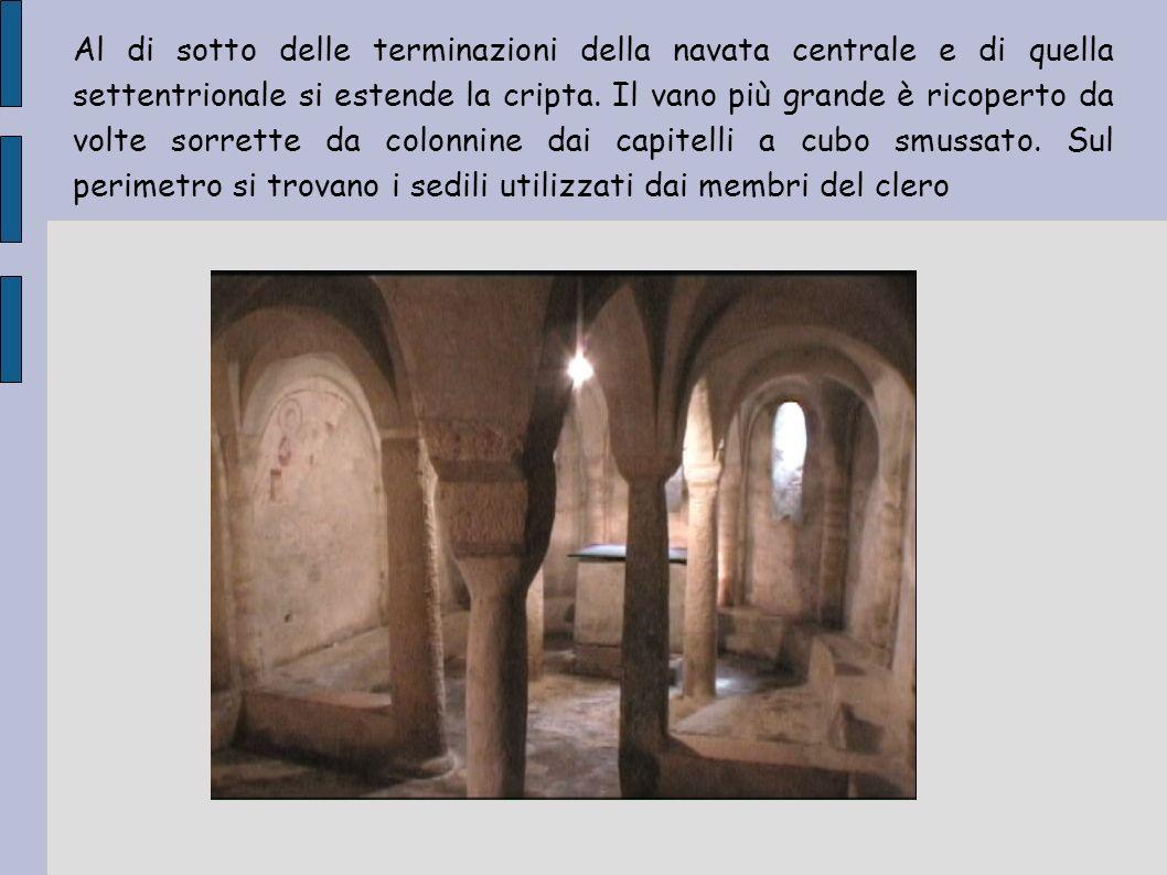 Reperti Nella chiesa di San Paragorio è presente una croce lignea denominataVolto Santo, una cattedra vescovile anch essa lignea e dei bacini in ceramica.