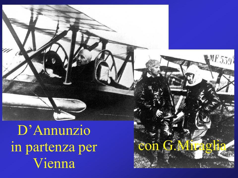 Gabriele DAnnunzio in partenza per Vienna con G.Miraglia